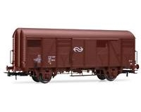 NS, 2-unit set closed wagons GS, brown livery, with open shutter